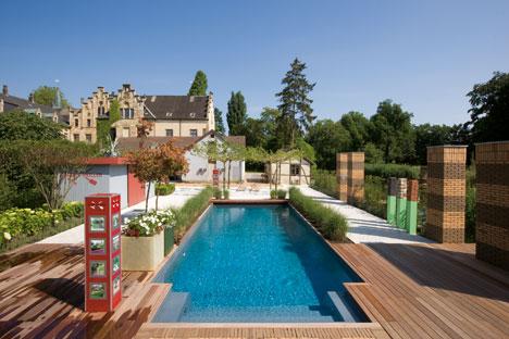 traumhafter poolgarten auf schloss ippenburg rivierapool. Black Bedroom Furniture Sets. Home Design Ideas
