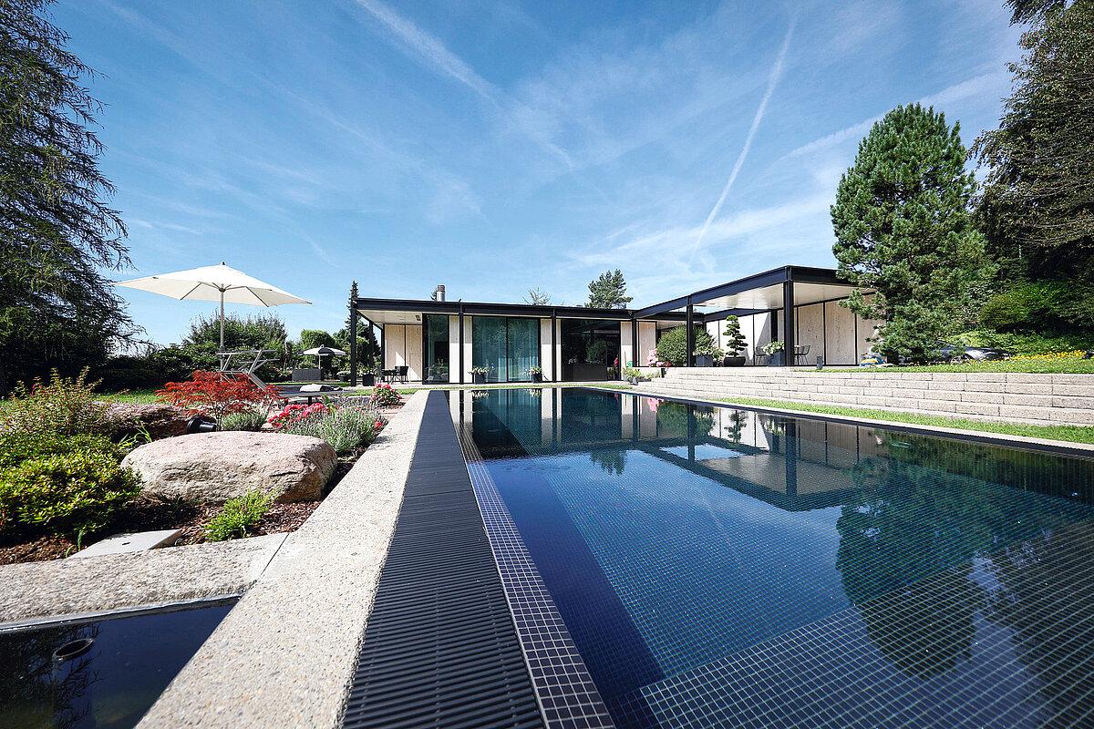 Custom-made prefabricated mosaic pools - RivieraPool