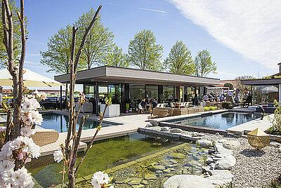 Modernstes Pooldesign auf 1.200 Quadratmetern - RivieraPool