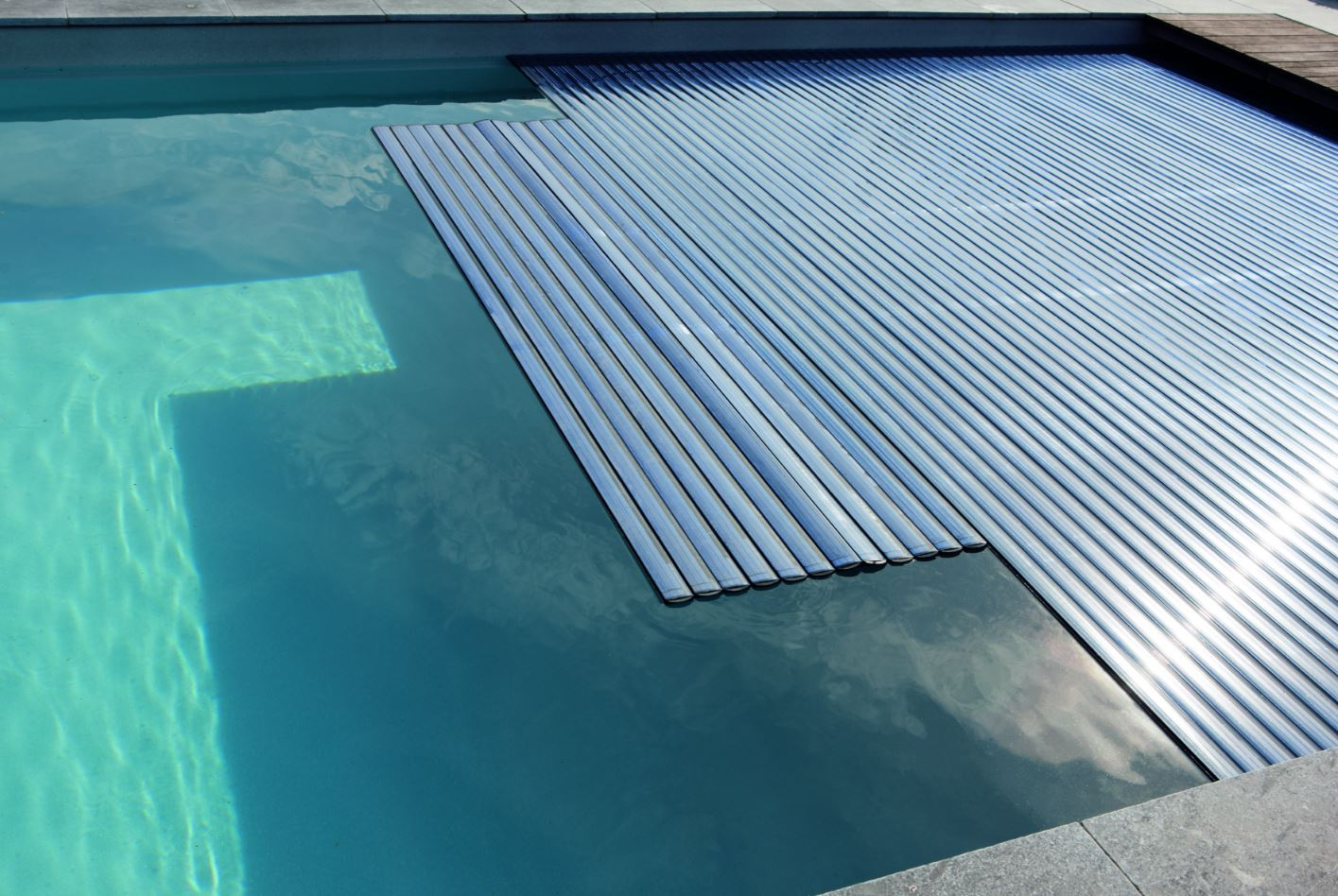 How can energy loss from the pool be avoided? - Poolwissen ...